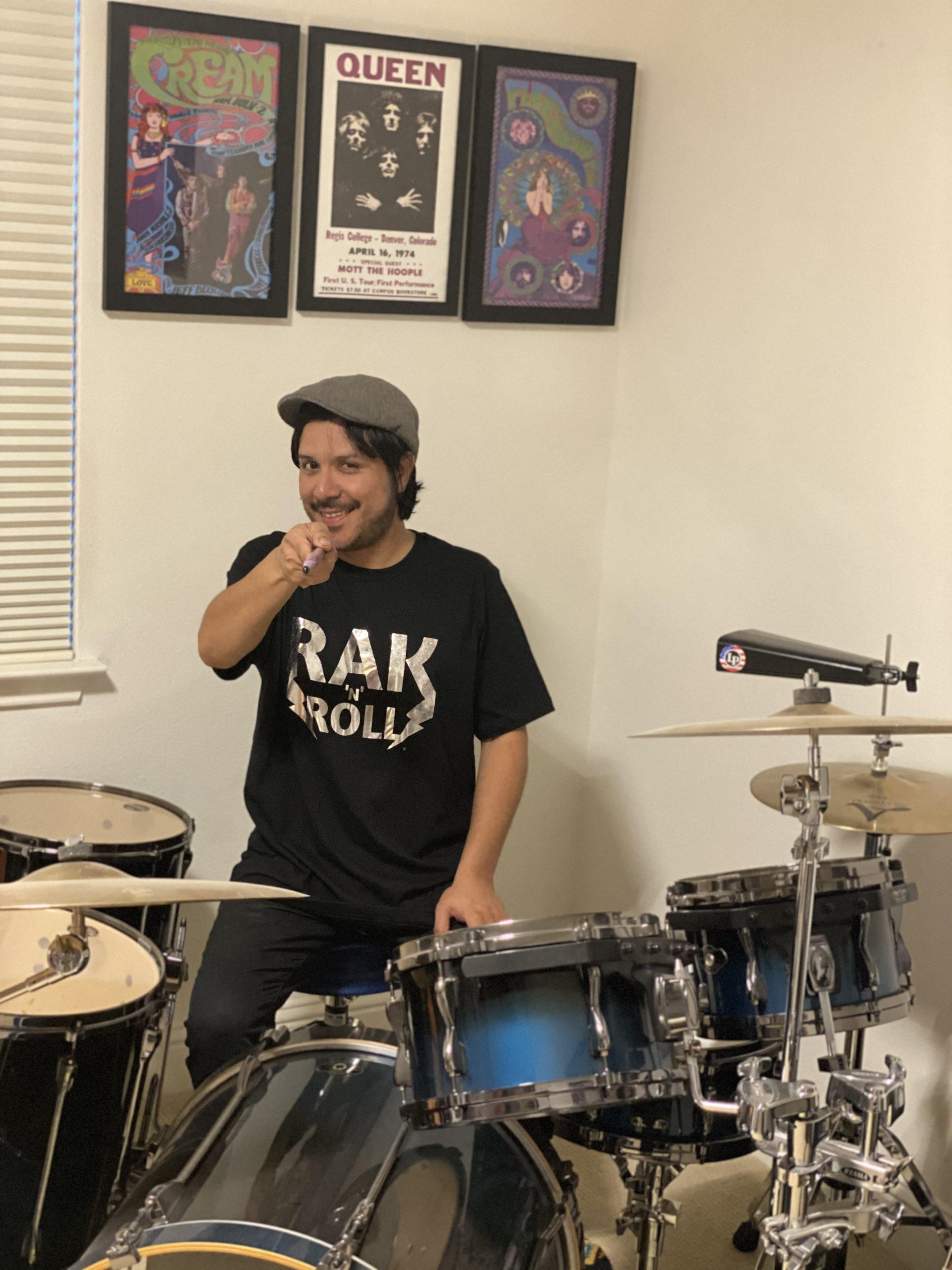 rak 'n' roll t-shirt with drum set